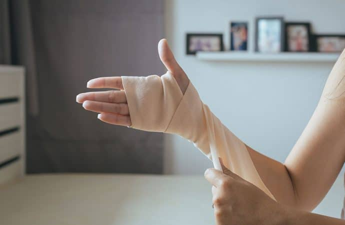 Health Tip: Care For a Wound At Home