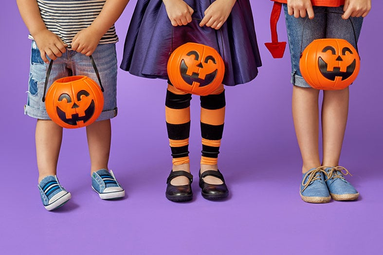 How to Keep Your Kids Safe on Halloween